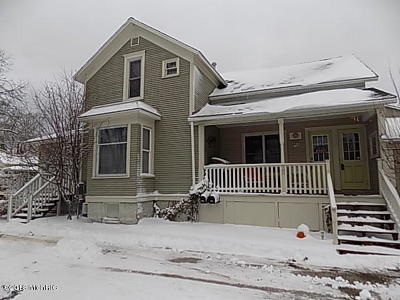 Grand Haven, Spring Lake Single Family Home For Sale: 709-711 Clinton Avenue