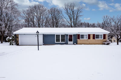 Niles Single Family Home For Sale: 1511 Country Club Drive