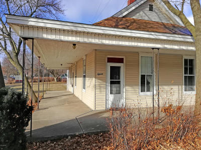 White Cloud Single Family Home For Sale: 15 S Charles Street