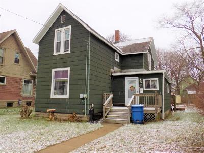 Manistee County Single Family Home For Sale: 10 Lynn Court