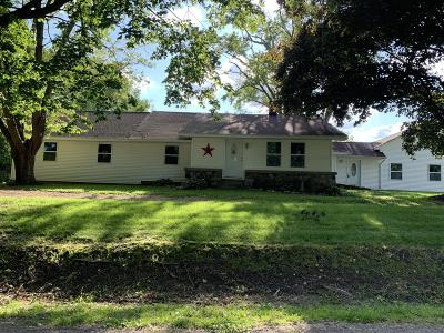 Coldwater Single Family Home For Sale: 408 N Fox Road