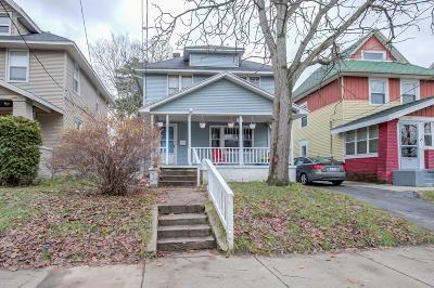 Single Family Home For Sale: 220 John Ball Park Drive SW