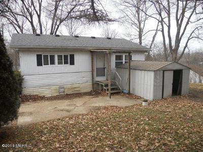 Branch County Single Family Home For Sale: 202 Clark Street