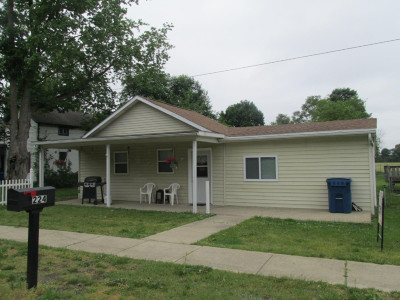 Hillsdale County Single Family Home For Sale: 224 E Chicago Street