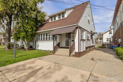 Single Family Home For Sale: 204 Straight Avenue NW