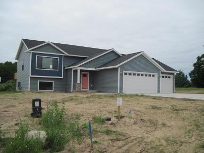 Montague Single Family Home For Sale: 9363 Pauline Street