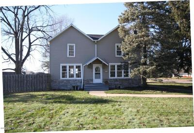 Portage Single Family Home For Sale: 2106 Forest Drive