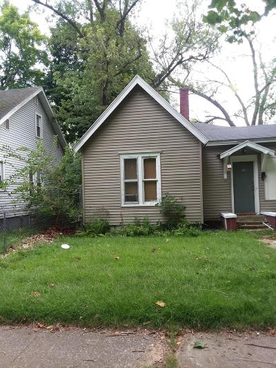Benton Harbor Single Family Home For Sale: 718 Territorial Road