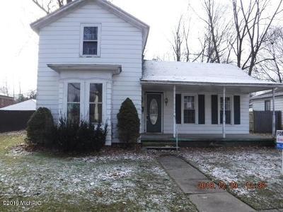Plainwell Single Family Home For Sale: 214 E Grant Street