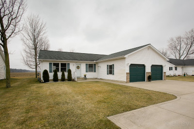 Berrien County, Branch County, Calhoun County, Cass County, Hillsdale County, Jackson County, Kalamazoo County, St. Joseph County, Van Buren County Multi Family Home For Sale: 28523 E Fawn River Road