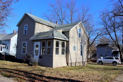 Hillsdale MI Single Family Home For Sale: $49,900