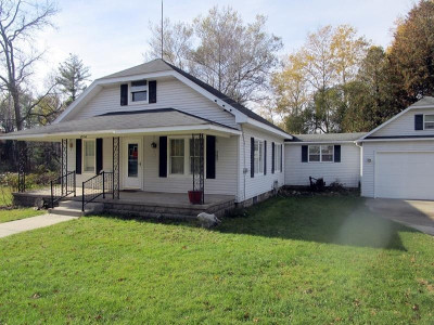 Big Rapids MI Single Family Home For Sale: $154,900