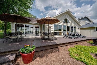 Kalamazoo Single Family Home For Sale: 1128 N Eagle Lake Drive