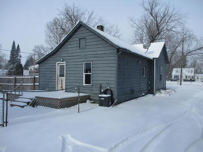 Single Family Home For Sale: 218 E Muskegon Street