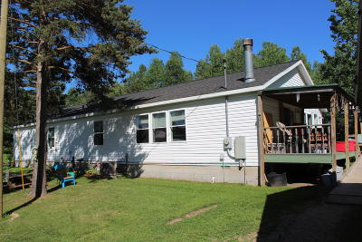 Leroy Single Family Home For Sale: 13970 Robin Hood Lane