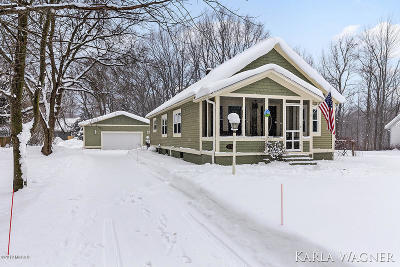 Grand Haven Single Family Home For Sale: 13801 152nd Avenue