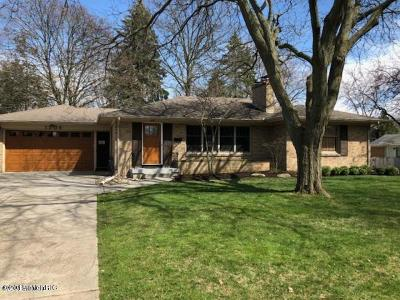 Grand Rapids, East Grand Rapids Single Family Home For Sale: 1306 Breton Road SE