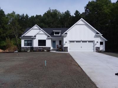 South Haven Single Family Home For Sale: Unit 4 Little Sable Drive