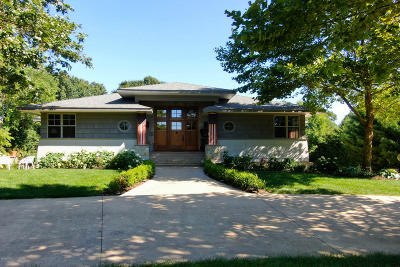 Clinton County, Gratiot County, Isabella County, Kent County, Mecosta County, Montcalm County, Muskegon County, Newaygo County, Oceana County, Ottawa County, Ionia County, Ingham County, Eaton County, Barry County, Allegan County Single Family Home For Sale: 6469 Riverside Road