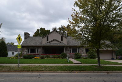 Grand Rapids, East Grand Rapids Single Family Home For Sale: 2034 Hall Street SE