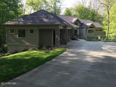 Clinton County, Gratiot County, Isabella County, Kent County, Mecosta County, Montcalm County, Muskegon County, Newaygo County, Oceana County, Ottawa County, Ionia County, Ingham County, Eaton County, Barry County, Allegan County Single Family Home For Sale: 10177 Augusta Valley Court SE