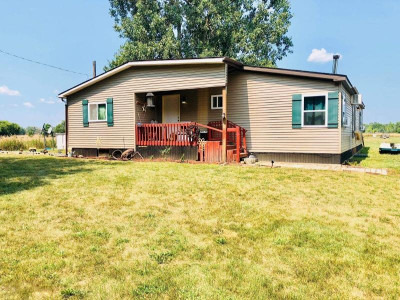 Montcalm County Single Family Home Active Contingent: 260 W Yankee