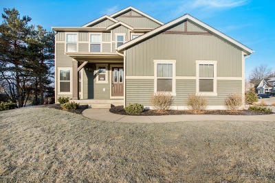 Norton Shores Single Family Home For Sale: 804 Ashlee Drive