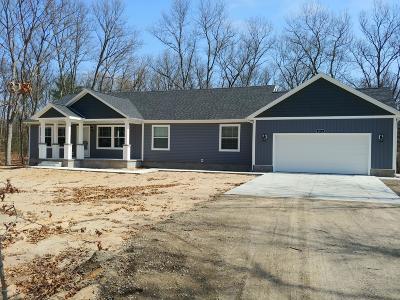 Twin Lake Single Family Home For Sale: 6816 Blue Lake Road