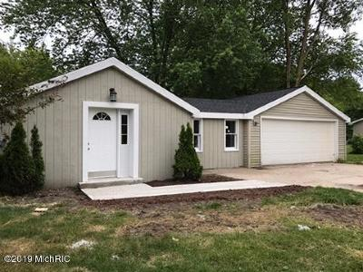 Spring Lake Single Family Home For Sale: 709 Wilson Road