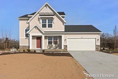 Muskegon Single Family Home For Sale: 2066 Poplar Court #44