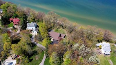 Benton Harbor MI Single Family Home For Sale: $1,000,000