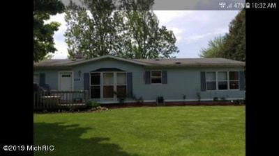 Eaton County Single Family Home For Sale: 404 Potter Street
