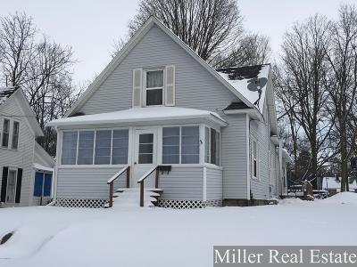 Barry County Single Family Home For Sale: 215 E High Street