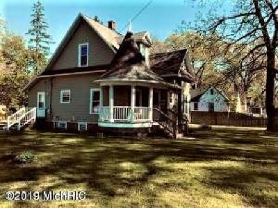 Muskegon Heights MI Single Family Home For Sale: $79,900