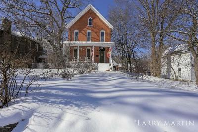 Allegan MI Single Family Home For Sale: $140,000