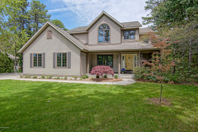 Grand Haven, Spring Lake Single Family Home For Sale: 16687 Pine Dunes Court