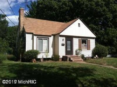 Single Family Home For Sale: 957 Ballard Street SE