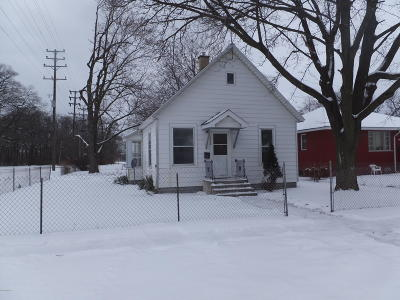 Muskegon Heights Single Family Home For Sale: 1999 9th Street