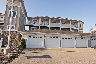 Grand Haven, Spring Lake Condo/Townhouse For Sale: 930 W Savidge Street #28