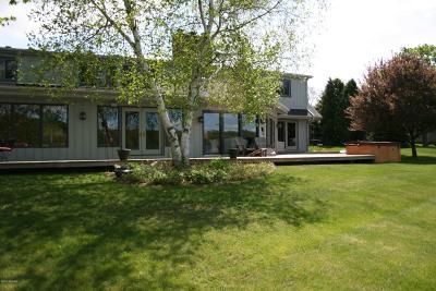 Kalamazoo Single Family Home For Sale: 4206 Lake Forest Drive Drive