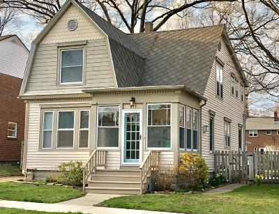 St. Joseph Single Family Home For Sale: 911 Wisconsin Avenue