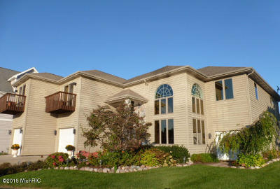 Berrien Springs, Buchanan, Niles, St. Joseph Single Family Home For Sale: 2349 Riverside Pointe Drive