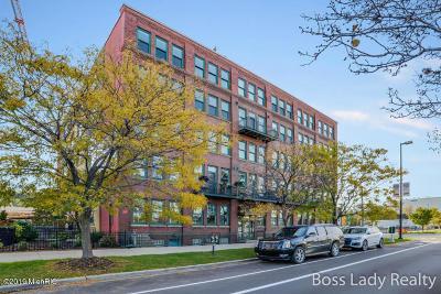 Grand Rapids Condo/Townhouse For Sale: 600 Monroe Avenue NW #208