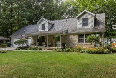 Edwardsburg Single Family Home For Sale: 21606 Maple Glen Circle
