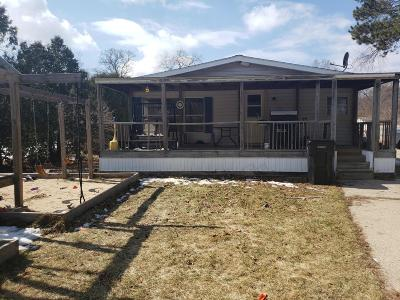 Montague Single Family Home For Sale: 10612 Parkwood Drive
