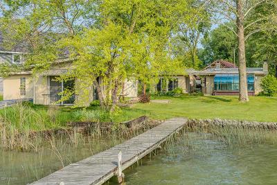 Vandalia Single Family Home For Sale: 15370 Joseph Road