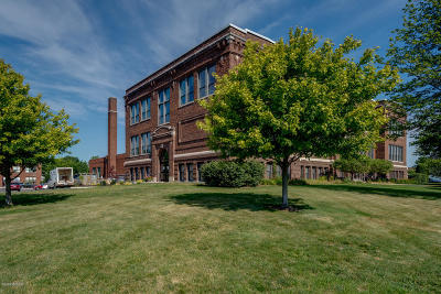 Berrien County, Branch County, Calhoun County, Cass County, Hillsdale County, Jackson County, Kalamazoo County, St. Joseph County, Van Buren County Condo/Townhouse For Sale: 460 Broadway Street #202