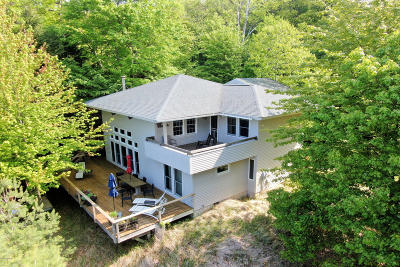 Benzie County, Charlevoix County, Clare County, Emmet County, Grand Traverse County, Kalkaska County, Lake County, Leelanau County, Manistee County, Mason County, Missaukee County, Osceola County, Roscommon County, Wexford County Single Family Home For Sale: 7308 S Montgomery Boulevard