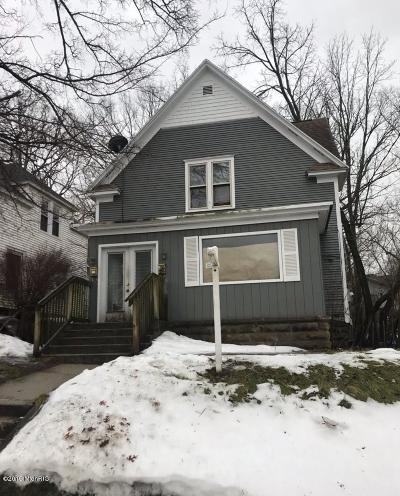 Clinton County, Gratiot County, Isabella County, Kent County, Mecosta County, Montcalm County, Muskegon County, Newaygo County, Oceana County, Ottawa County, Ionia County, Ingham County, Eaton County, Barry County, Allegan County Multi Family Home For Sale: 306 Sweet Street NE