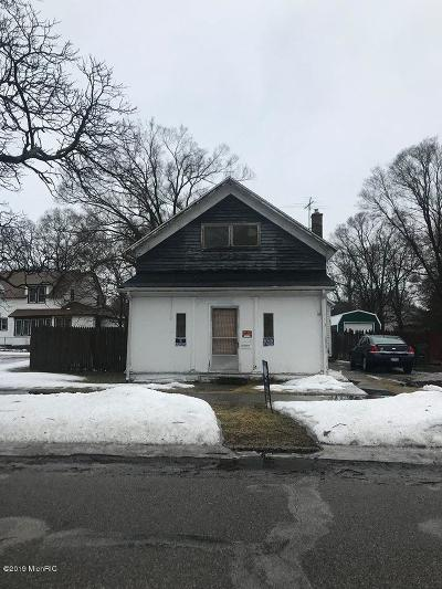 Muskegon Single Family Home For Sale: 258 Strong Avenue